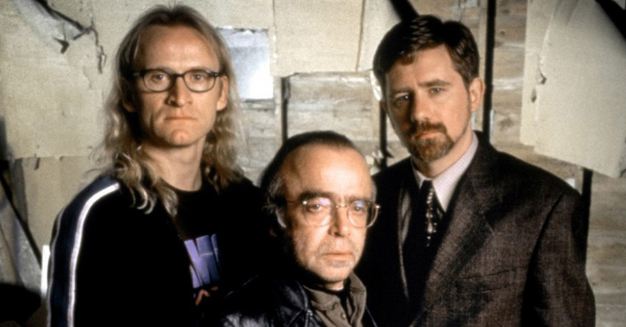 Lone Gunmen (X-Files spin-off) starring Bruce Hardwood as John Fitzgerald Byers, Tom Braidwood as Melvin Frohike, Dean Haglund as Richard 'Ringo' Langly, Zuleikha Robinson as Yves Adele Harlow and Stephen Snedden as Jimmy Bond [dvdbash.wordpress]